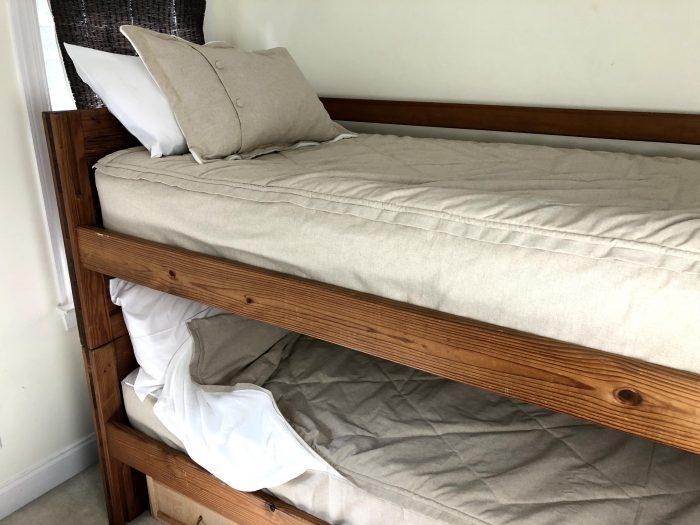 DIY Twin Sized Zipper Bedding Tutorial